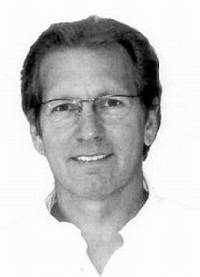 Стоматологическим центром Ханерхоф руководит доктор медицинских наук Михаэль Оттенштройер