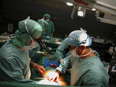 Кардиохирургическая бригада во время операции АКШ